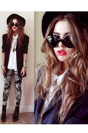 black sunglasses - red lace up boots natural colour boots