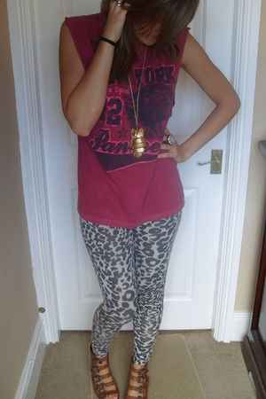 red Topshop t-shirt - Topshop leggings - Topshop shoes - asoss accessories
