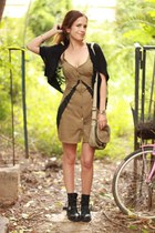 dark khaki Fairground dress - black numph top - mustard Swatch watch