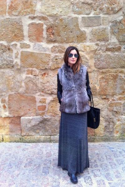 Zara jacket - rayban sunglasses - Zara skirt - Sintesis vest