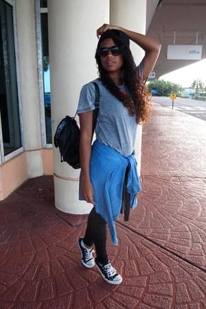 black Bebe leggings - blue Forever 21 shirt - heather gray Forever 21 t-shirt