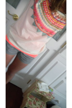beige Forever 21 top - orange J Crew t-shirt - silver J Crew shorts - black Conv