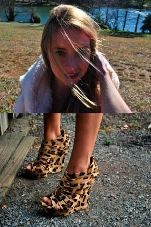 off white faux fur Zara vest - camel cheetah print heels