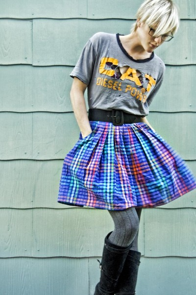 gray vintage CAT diesel power t-shirt - rainbow plaid 80s skirt