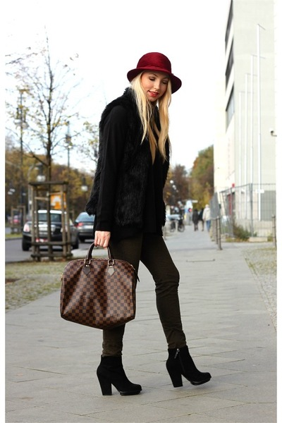 dark green Zara pants - black Bershka coat