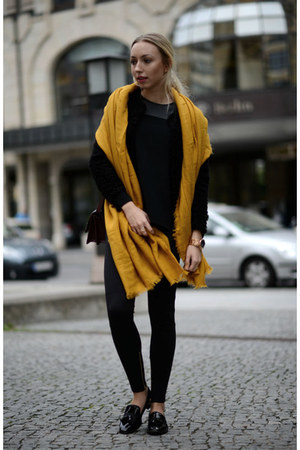 gold Zara scarf