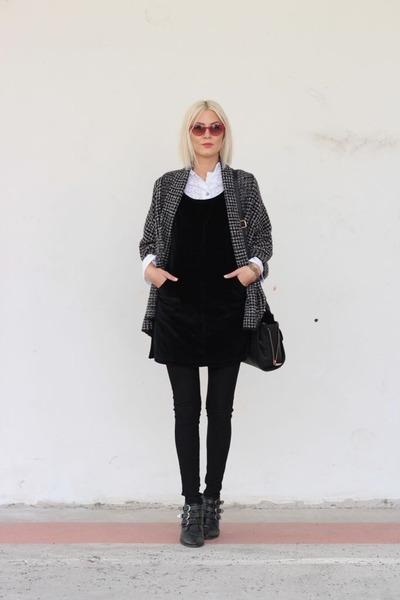 black boots - red sunglasses - black Zara cardigan