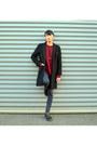 Black-boots-dr-martens-boots-black-middle-length-vintage-coat