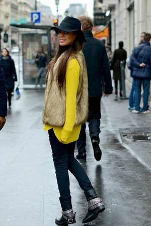 yellow H&M sweater - Daniele Dentici boots - black Zara jeans