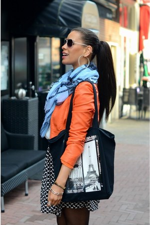 black Sergio Todzi boots - carrot orange Lolive Verfe jacket