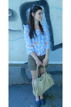 sky blue Stradivarius shirt - eggshell H&M bag - light brown shorts - teal flats