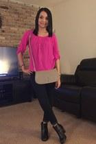 dark gray black booties boots - tan purse - hot pink top