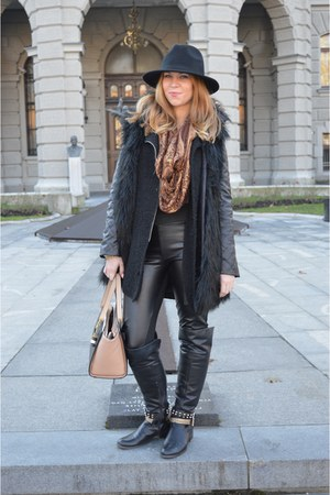 black boots - black faux leather c&a leggings - black faux fur Zara vest