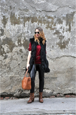 brick red silvian hech shirt - tawny Stradivarius boots - black c&a tights