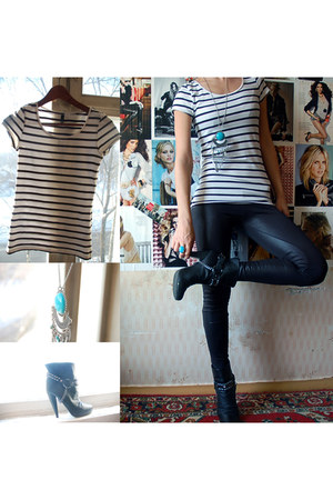 stripes H&M t-shirt - ankle Aldo boots - Bershka leggings