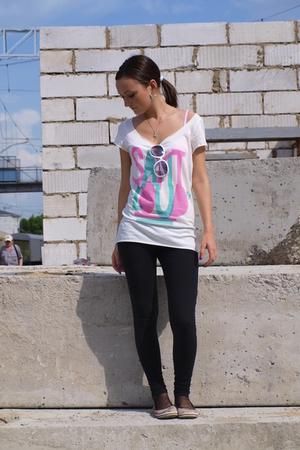 shoes - H&M t-shirt - Zara leggings - sunglasses - Hand Made accessories - Ledy
