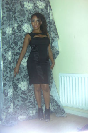 black George Asda dress - black Quiz shoes