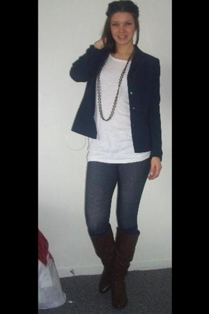blue second hand blazer - white H&M t-shirt - blue Marshalls leggings - brown st