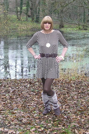 essence boots - F&F dress