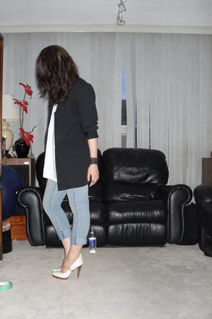 thrifted blazer - Zara shirt - Rue 21 jeans - Rue 21 necklace - Aldo shoes - DIY