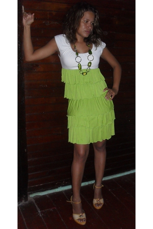 gold vintage from Search & Destroy necklace - green Bebe dress - yellow Brazilia