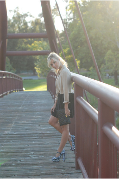 beige vintage blouse - black Forever 21 skirt - blue Forever 21 shoes