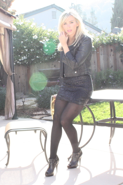 black Bebe dress - black Aldo shoes - black brass plum nordstrom jacket