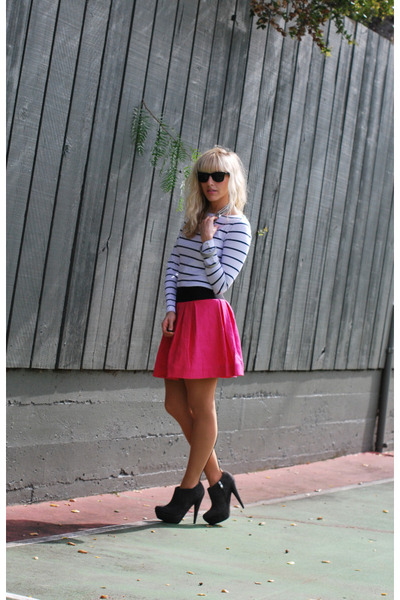 pink modcloth skirt - gray booties Steve Madden shoes