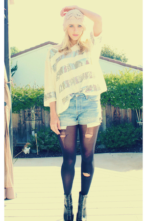 blue Vintage Levis shorts - black Forever 21 shoes