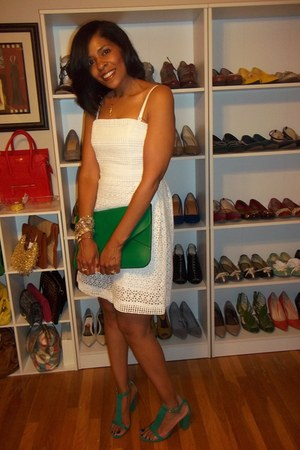 green Old Navy shoes - white Laundry by Shelly Segal dress