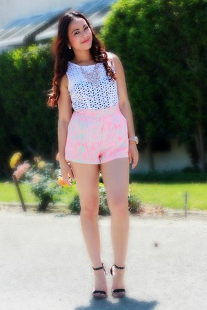 pink necklace Charlotte Russe necklace - bubble gum Forever 21 shorts