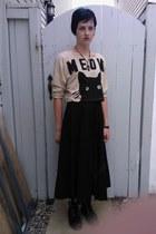 tan meow kitty crop top - black skirt
