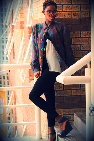 vintage blazer - cotton leggings - lace blouse - suede wedges