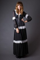 Black-lace-trim-maxi-telltale-hearts-vintage-dress