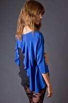 Blue-silk-cropped-funktional-blouse