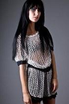 White-telltale-hearts-vintage-dress