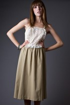 Beige-lace-front-telltale-hearts-vintage-dress