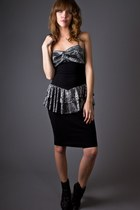 Black-telltale-hearts-vintage-dress