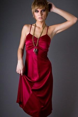 maroon burgandy disco telltale hearts vintage dress