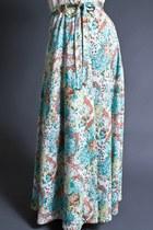 Telltale Hearts Vintage Skirts