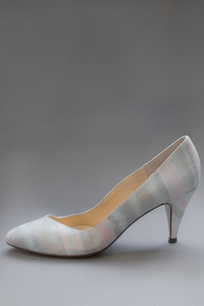light blue pastel stripe telltale hearts vintage pumps