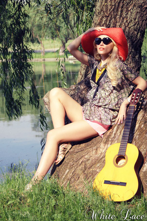 orange reserved hat - gold asos sandals - hot pink asos pants - light yellow Mis