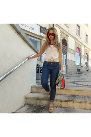 blue pull&bear jeans - red Parfois bag - white Bershka top