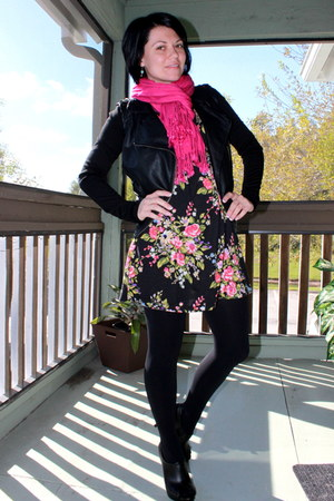 Targett scarf - bealls dress - Forever 21 jacket - Express tights