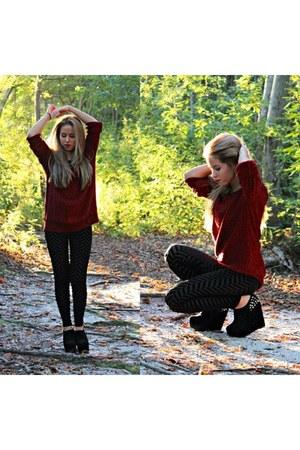 brick red Forever 21 sweater - black Forever 21 leggings