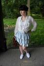 White-takko-fashion-top-white-new-yorker-shirt-brown-gate-bag