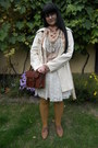 Brown-gate-shoes-beige-gate-coat-brown-gate-bag-camel-gate-socks