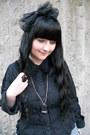 Black-gate-tights-black-bodyline-bag-silver-fan-plus-friend-skirt