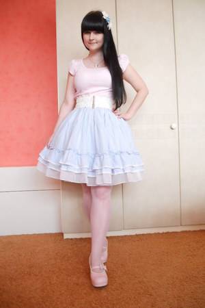 light pink lolita Bodyline shoes - sky blue rose New Yorker hair accessory