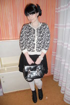 ivory lindex tights - black New Yorker bag - black Gate skirt